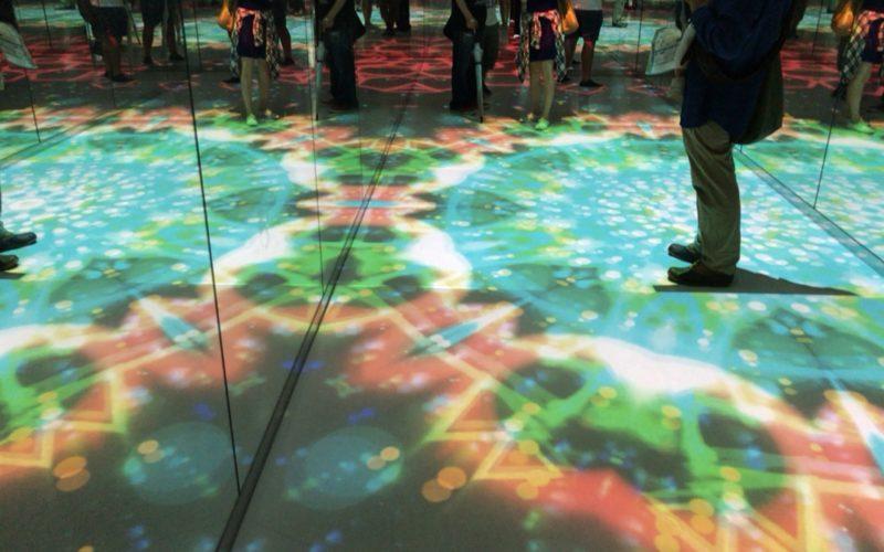 スカイサーカス サンシャイン60展望台内のカレイドスケープエリアにある無限スケープ