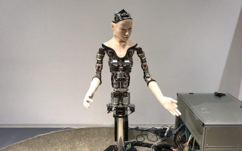 日本科学未来館3Fの常設展示ゾーンに展示している機械人間オルタ