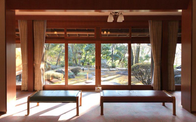 旧朝倉家住宅の第1会議室から見える庭園