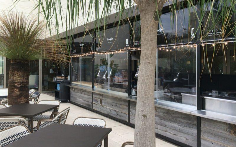 アトレ恵比寿西館屋上のアトレ空中花園に期間限定でオープンしたシロノニワ エキゾチカ・ビアガーデン 恵比寿の店内