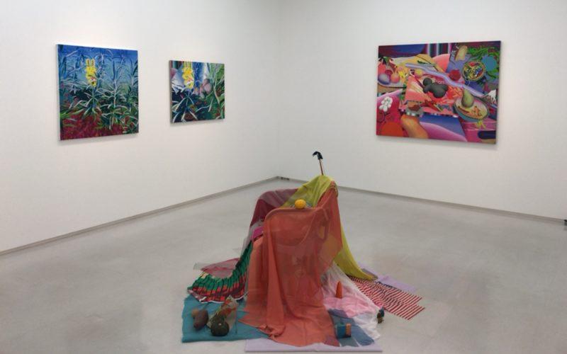 渋谷ヒカリエ8Fの小山登美夫ギャラリーで開催されている伊藤彩展「Sleeping Stone」の会場内