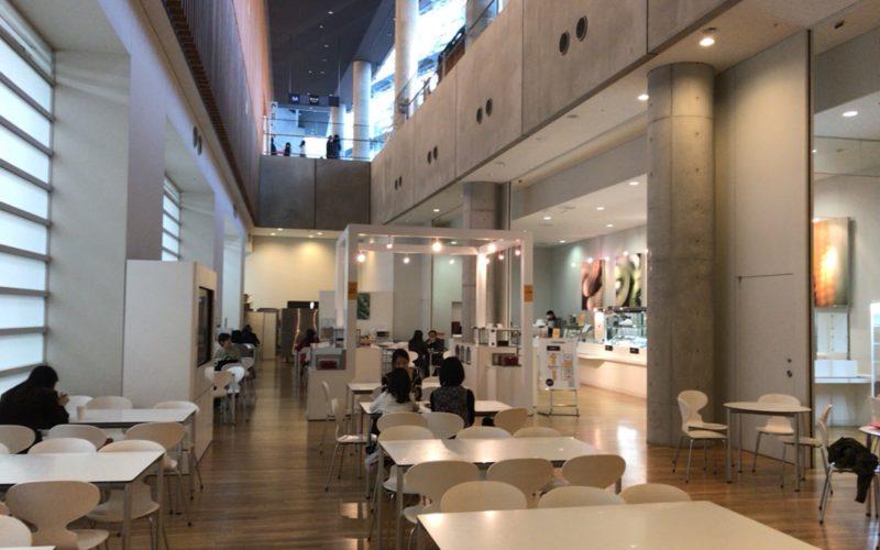 国立新美術館のB1Fにあるカフェテリア カレの店内