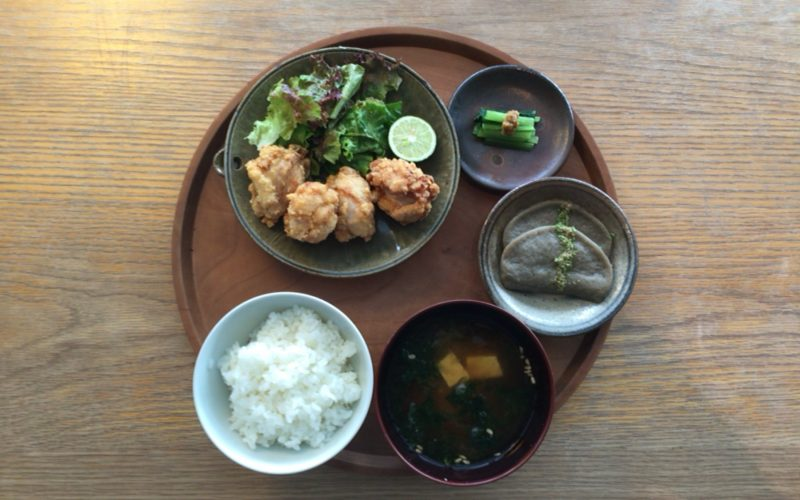 d47食堂で提供していた静岡定食 ふじのくに いきいきどりの唐揚げ定食