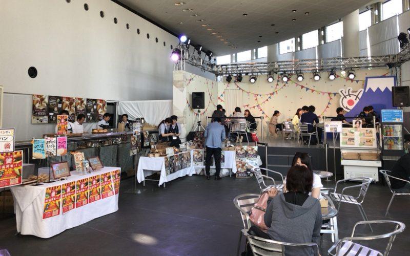 お台場フジテレビ7Fのフジさんのヨコで開催したお台場パン祭りのサブ会場