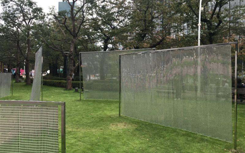 東京ミッドタウン デザインタッチでミッドタウン・ガーデンに登場したインスタレーション「スウェル」