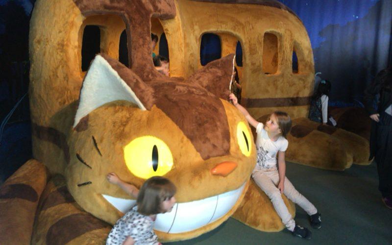 六本木ヒルズの展望台 東京シティビューで開催したジブリの大博覧会に展示していた巨大なネコバスのぬいぐるみ