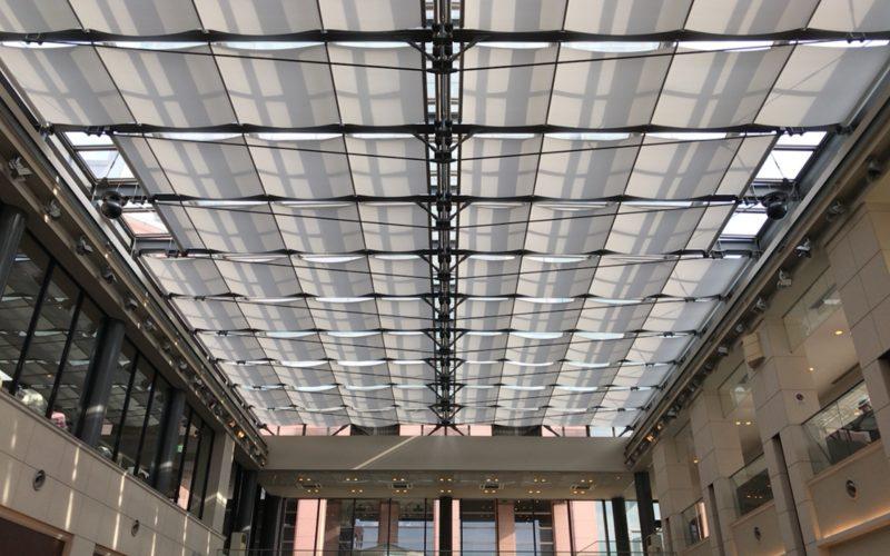 グラススクエアのガラス屋根