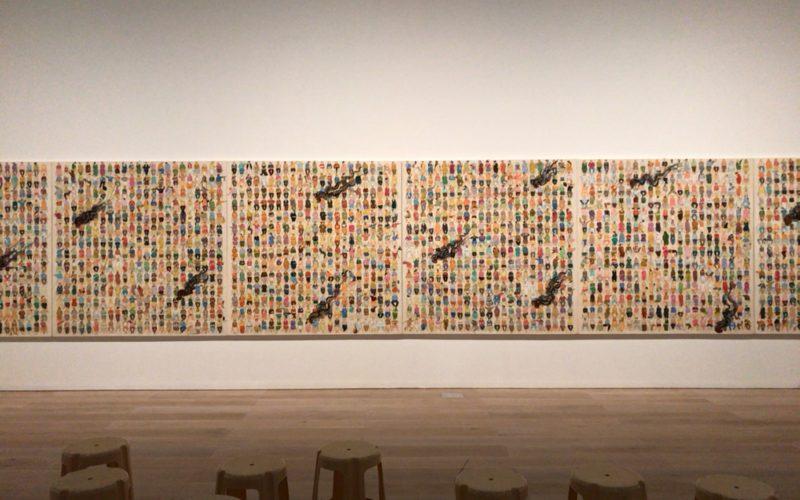 六本木ヒルズの森美術館で開催したN・S・ハルシャ展に展示していた作品「ここに演説をしに来て」
