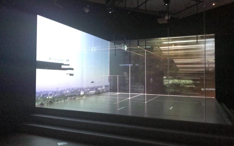 建築の日本展で上映していたライゾマティクス・アーキテクチャーによる映像インスタレーション「パワー・オブ・スケール」
