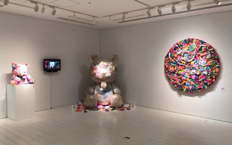 六本木ヒルズのROPPONGI HILLS A/D GALLERYで開催した増田セバスチャン作品展「YOUR COLORS」の会場内