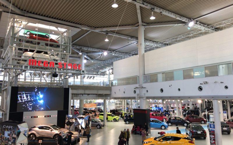 トヨタ ラインナップゾーン内のメガステージとウェルキャブコーナー