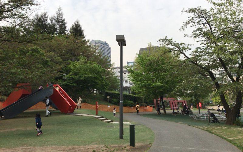 檜町公園の遊戯広場に設置されている3種類の遊具