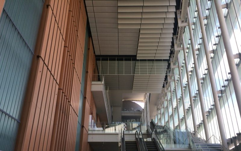 日本科学未来館の館内にあるエスカレーター