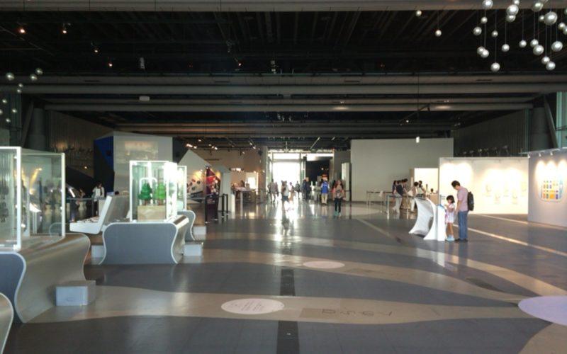 日本科学未来館3Fの常設展示ゾーン 未来をつくる