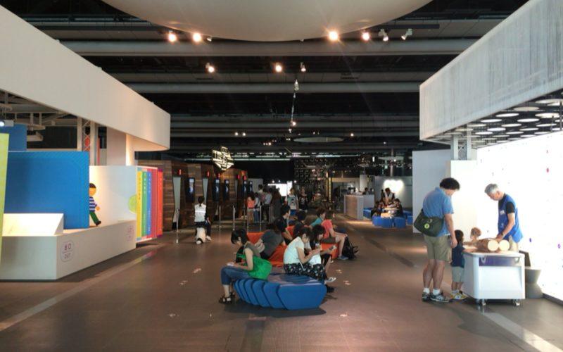 日本科学未来館5Fの常設展示ゾーン 世界をさぐる
