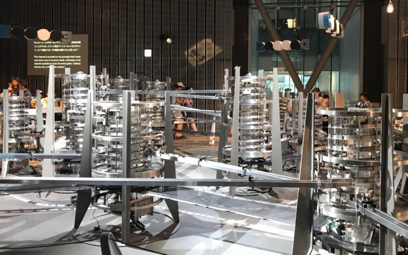 日本科学未来館3Fの常設展示ゾーンにあるインターネット物理モデル