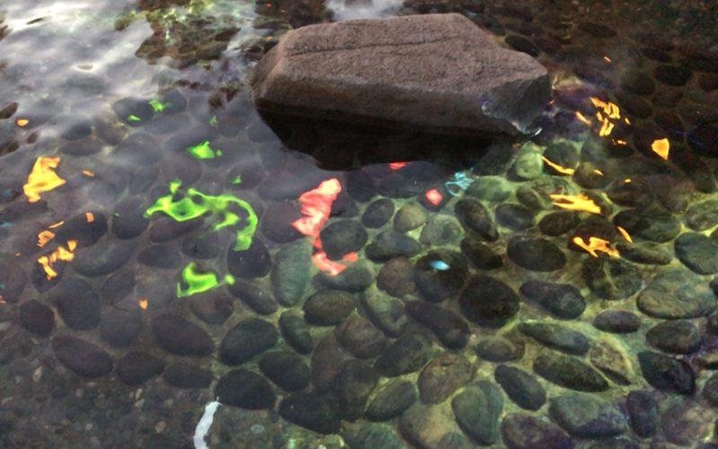 FIREWORKS BY NAKEDー大江戸温泉 花の宴ーで大江戸温泉物語お台場の足湯に投映されたプロジェクションマッピング