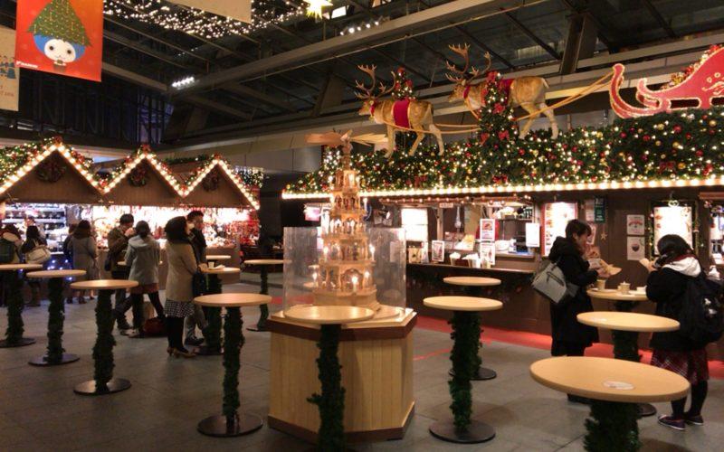 六本木ヒルズの大屋根プラザに出店するクリスマスマーケット
