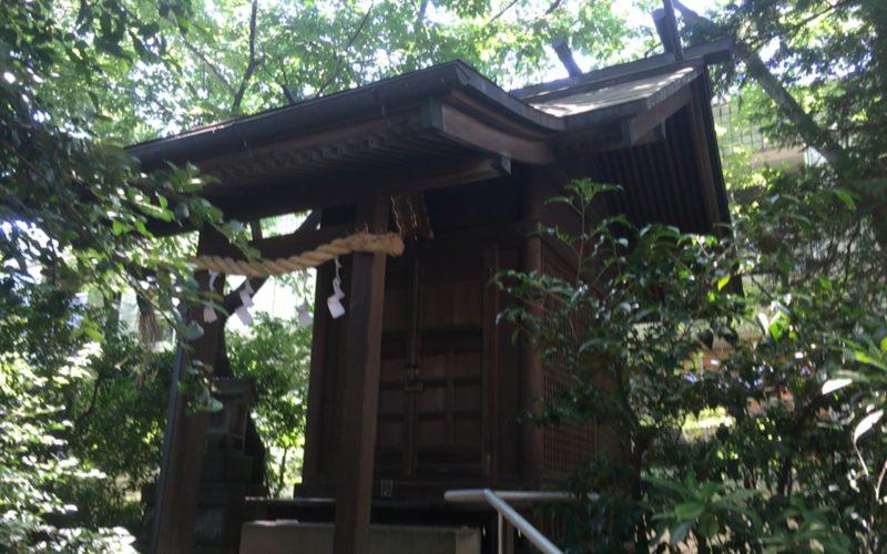 猿楽神社の社殿