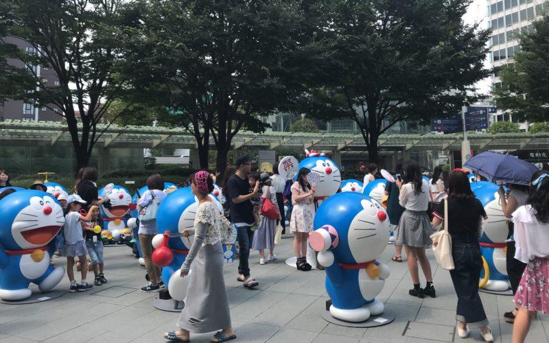 テレビ朝日・六本木ヒルズ夏祭りサマーステーションで66プラザに設置していたドラえもん像たち