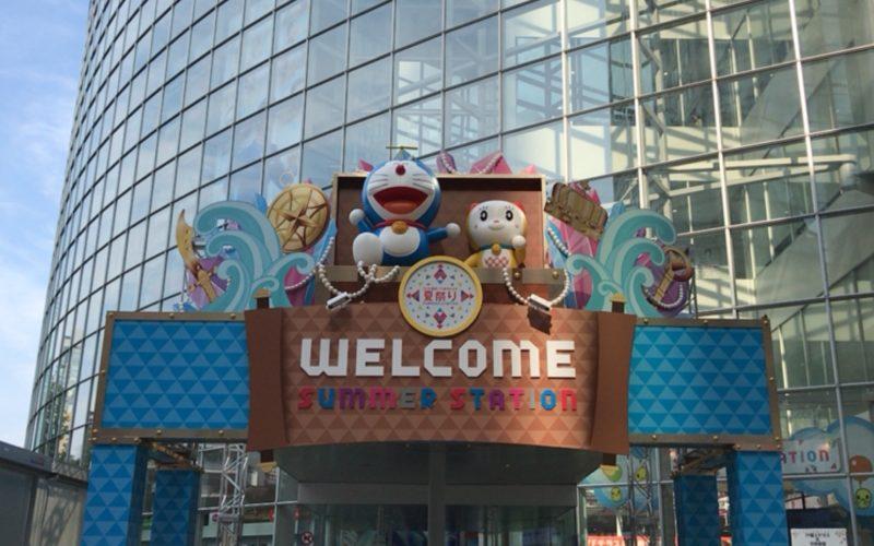 テレビ朝日・六本木ヒルズ夏祭りサマーステーションのメイン会場 テレビ朝日本社のエントランス