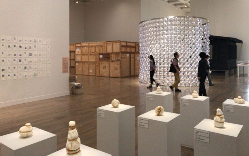 「サンシャワー:東南アジアの現代美術展 1980年代から現在まで」の国立新美術館会場内
