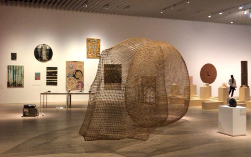 森美術館で開催した「サンシャワー:東南アジアの現代美術展 1980年代から現在まで」に展示していたソピアップ・ピッチさんの作品