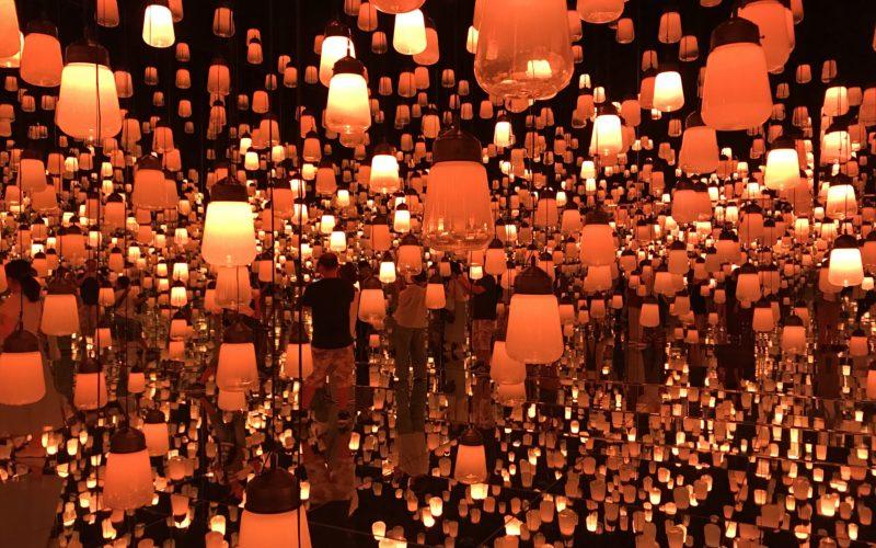エプソン チームラボ ボーダレスのランプの森