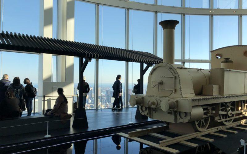 六本木ヒルズの森アーツセンターギャラリーとスカイギャラリーで開催した「特別展 天空ノ鉄道物語」の会場内