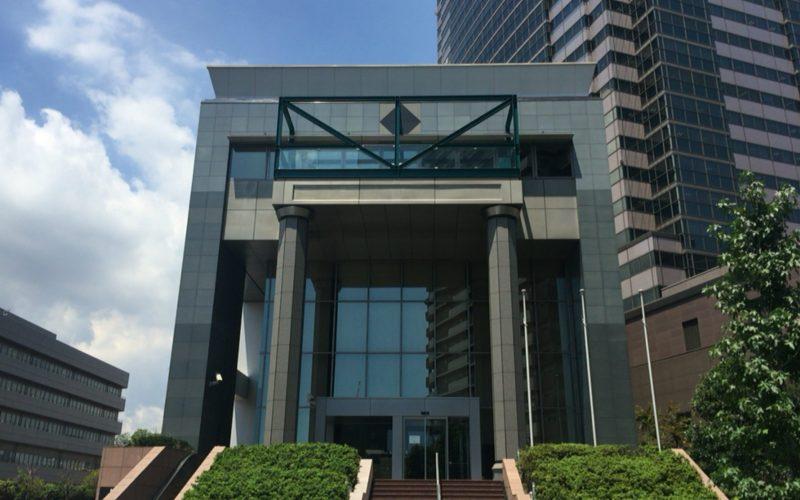 東京都写真美術館の南口