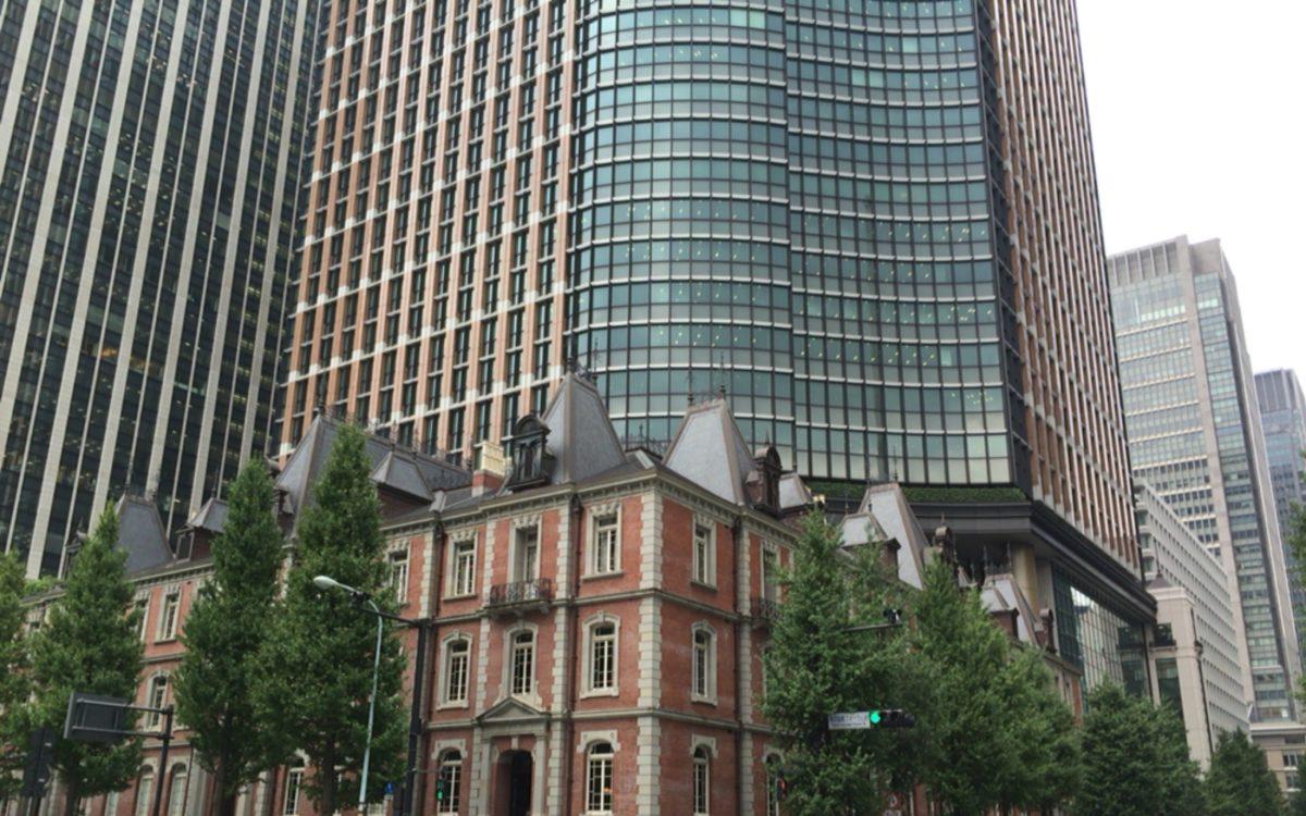 東京国際フォーラム西交差点から見た三菱一号館美術館