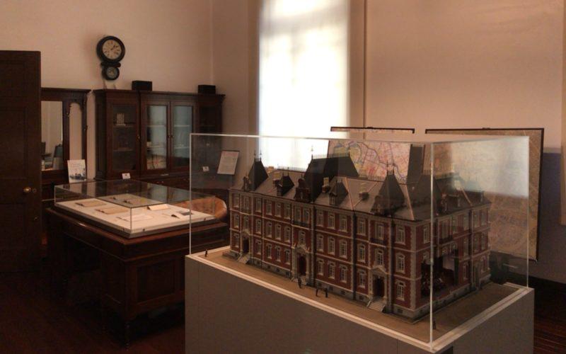 三菱一号館の歴史資料室内