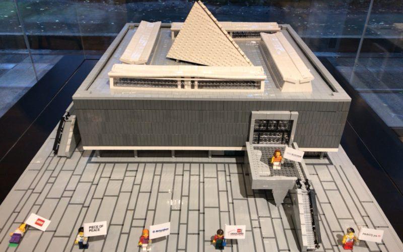 国立西洋美術館の館内に展示されているレゴブロックで作った国立西洋美術館