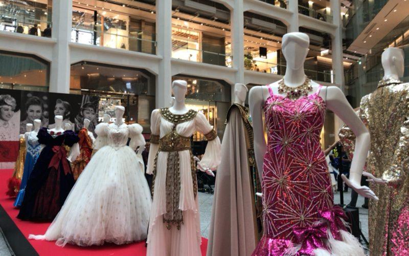 タカラヅカ・スカイ・ステージ 開局15周年記念「15th Anniversary フェスタ in KITTE」の公演衣装展示コーナー