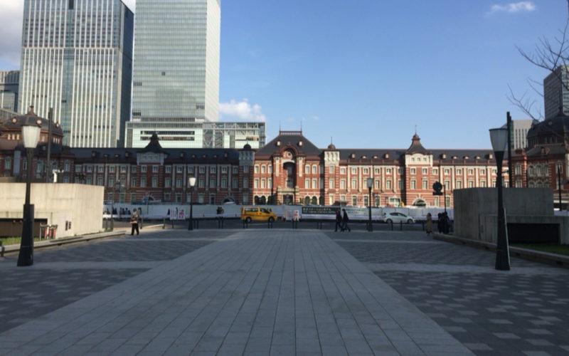 行幸通りから見た東京駅の丸の内中央口