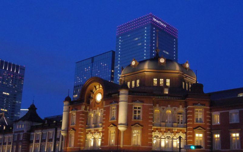 東京駅のライトアップ