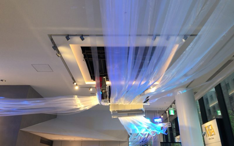 東急プラザ銀座1~3Fのメトアギンザで開催したイベント「Wind Lab in Ginza 風と遊べるテクノロジー空間」の1Fに展示していたインスタレーション