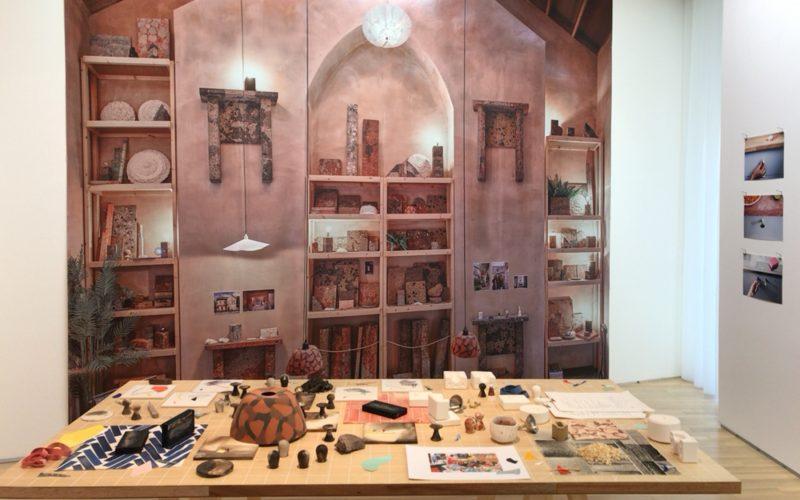 「アセンブル_共同体の幻想と未来」展に展示していたグランビー・ワークショップでつかわれている材料やマニュアル