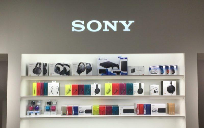 銀座プレイス5Fのソニーストアにあるソニーのロゴとソニー製品
