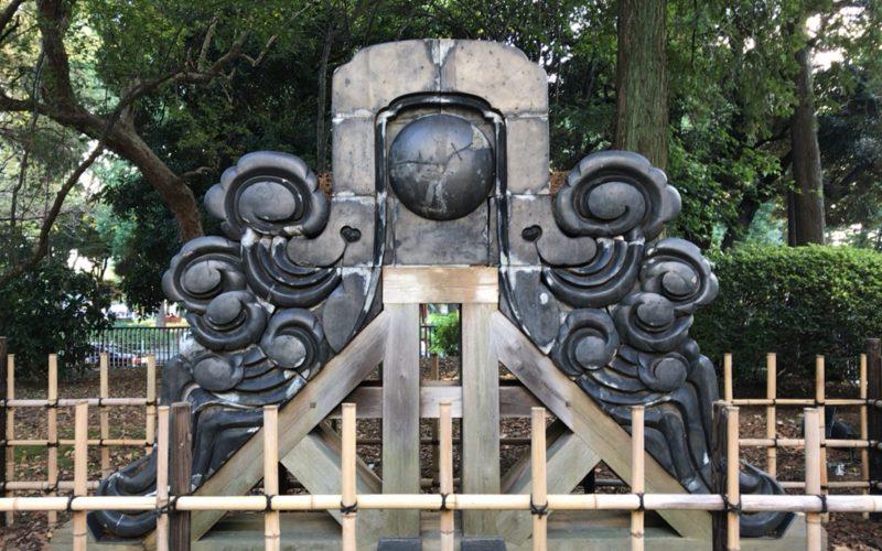 東京国立博物館の黒門の近くにある鬼瓦
