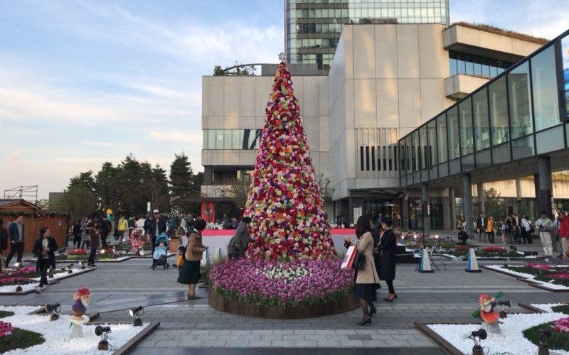 東京ソラマチ4Fのスカイアリーナに設置していた光ガーデンの花のクリスマスツリー