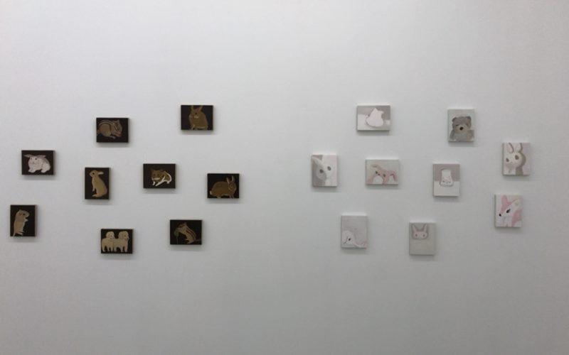 コンプレックス665 2Fの小山登美夫ギャラリーで開催した桑原正彦「fantasy land」に展示していた動物が描かれたミニサイズの作品群