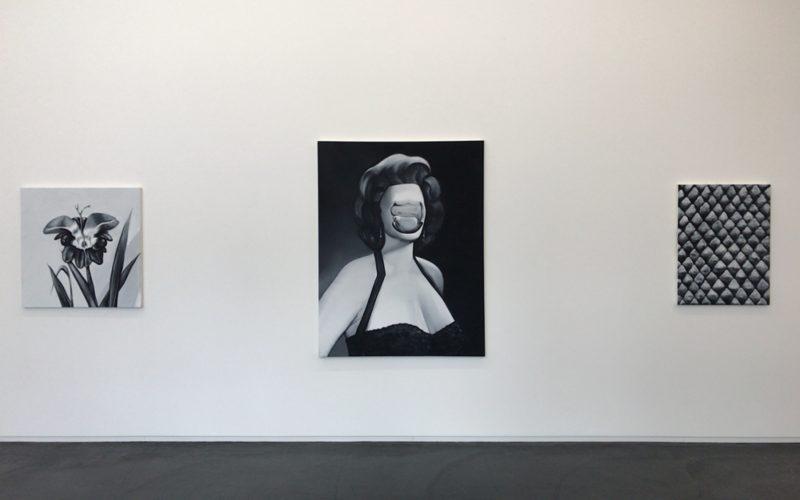 コンプレックス665の3Fにあるタカ・イシイギャラリーで開催した五木田智央 Holy Cowの展示作品