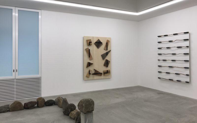 コンプレックス665 2Fの小山登美夫ギャラリーで開催した「菅 木志雄 広げられた自空」の展示作品