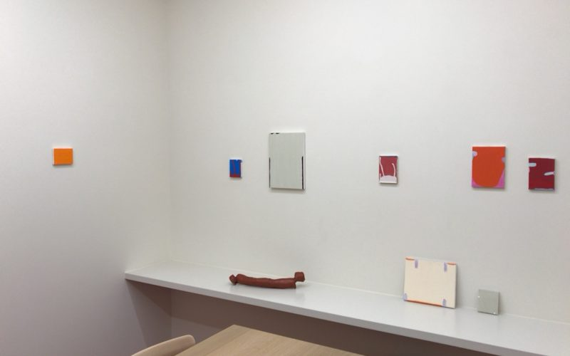 小山登美夫ギャラリーの商談スペースに展示されていたパウロ・モンテイロ展 「The outside of distance」の作品