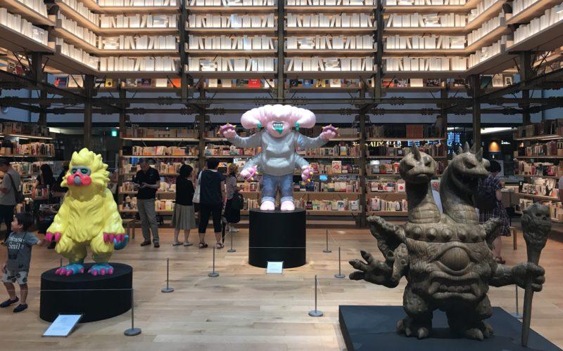 銀座蔦屋書店のイベントスペース ギンザアトリウムに展示していたコムロタカヒロさんの作品