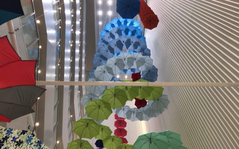 松屋銀座1Fのスペース・オブ・ギンザで開催したGINZAの百傘会の会場内