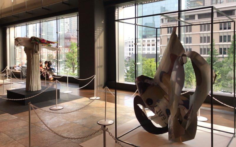 新丸ビル3Fのアトリウムで開催したアートアワードトーキョー 丸の内の展示作品