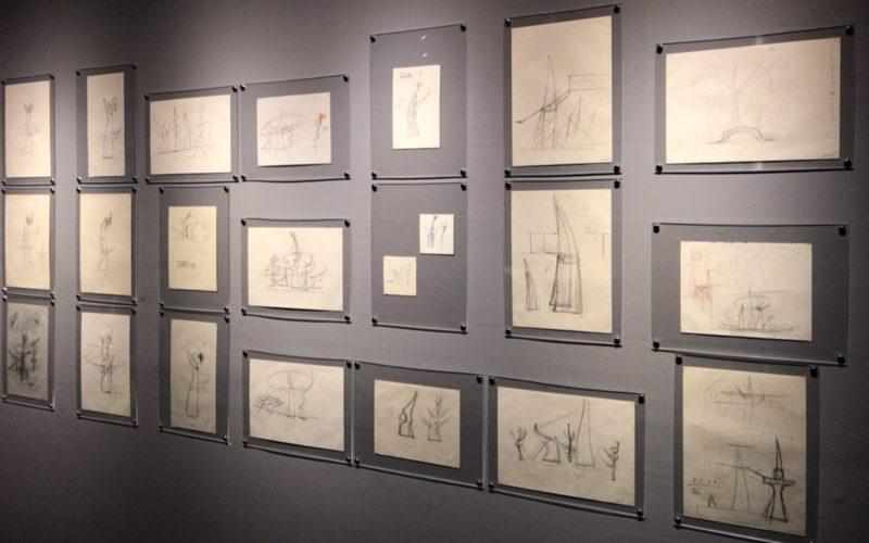 岡本太郎記念館で開催されている「太陽の塔 1967―2018 岡本太郎が問いかけたもの」に展示されている太陽の塔のスケッチ