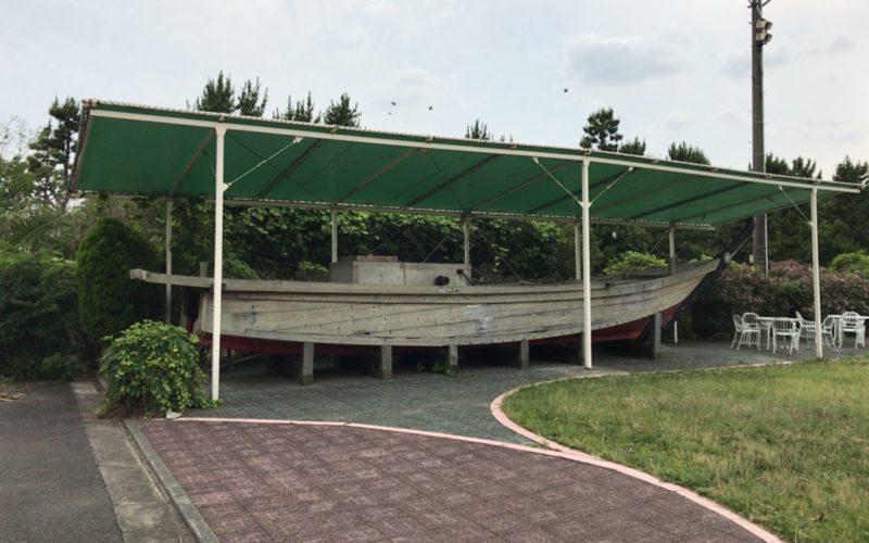 お台場船の科学館の屋外展示場に展示している九十九里の木造漁船
